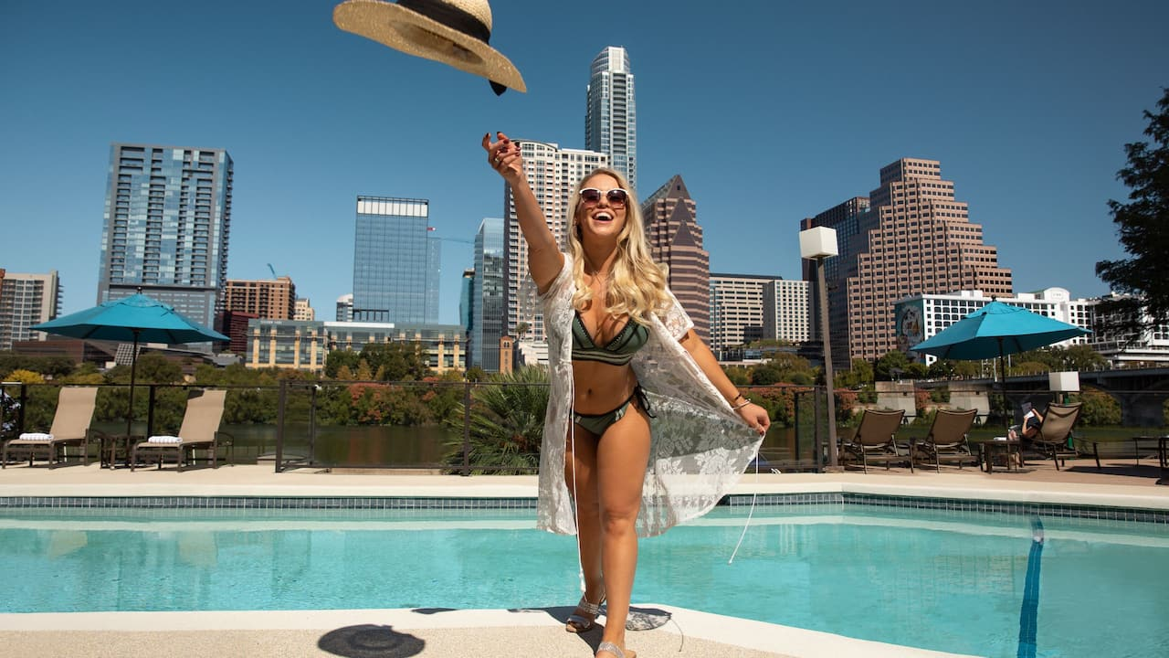 Pool Hat Toss