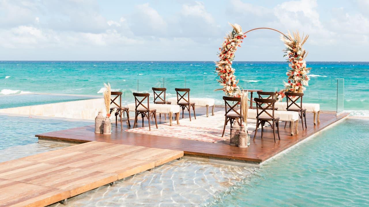 CUNPC_P0718 Summer Wedding Ceremony Set Up