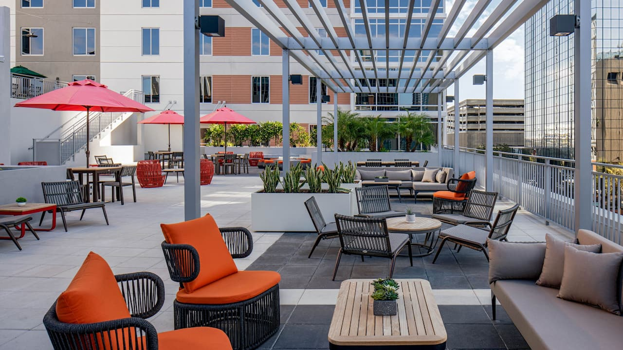 Elevar Terrace at Hyatt Place Tampa Downtown