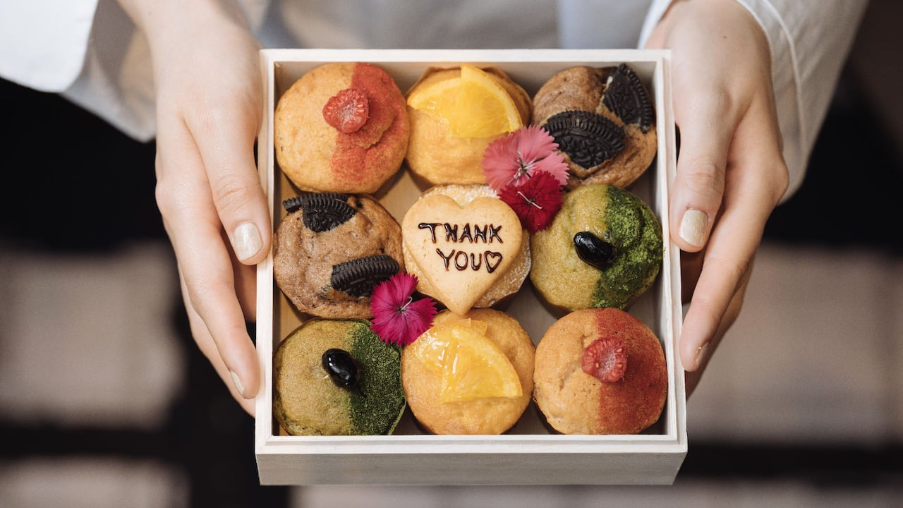 FIVE – Grill & Lounge Mother's Day Muffin Box