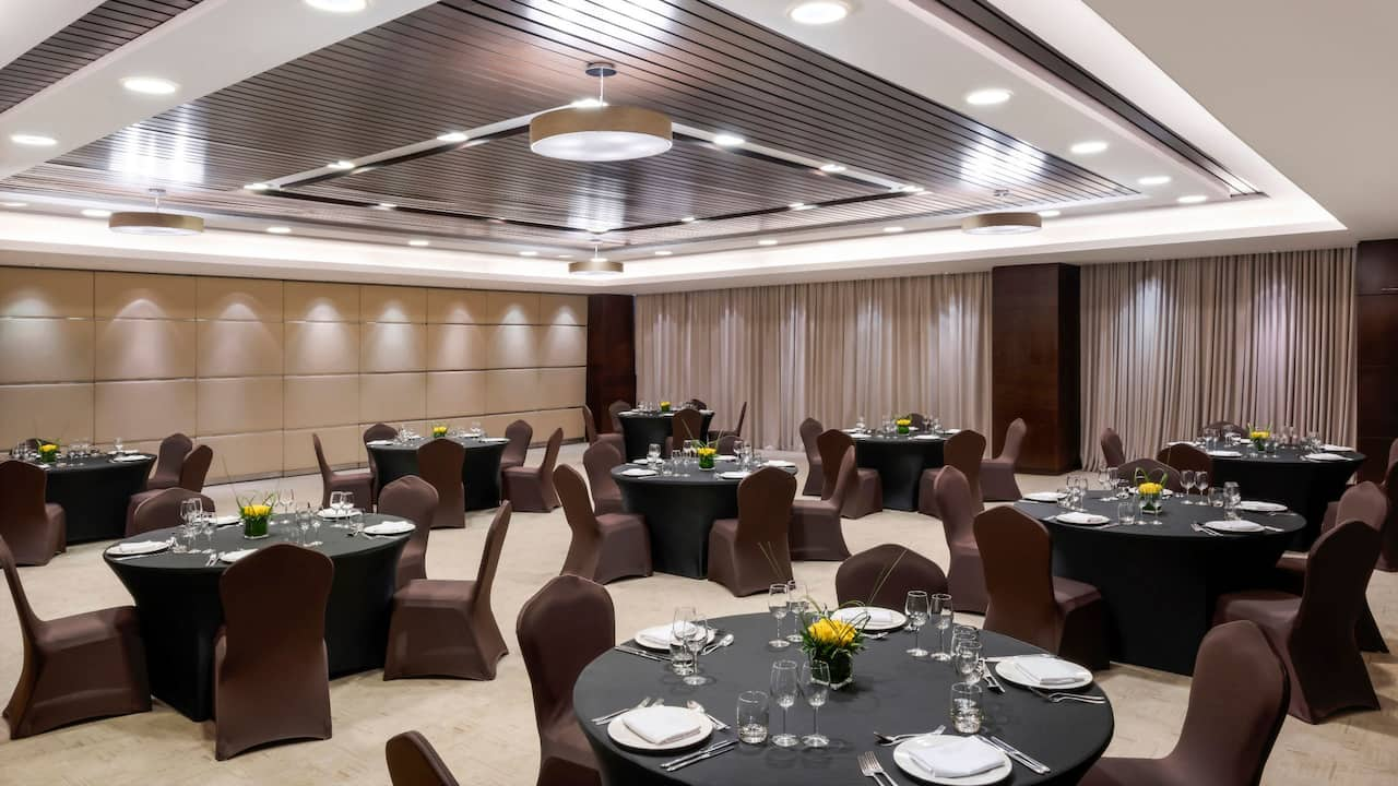Hyatt Regency Oryx Doha Meeting Room Dining Setup