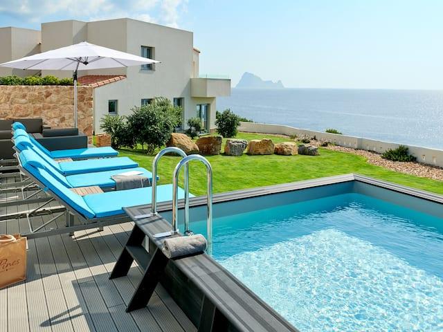 7Pines Ibiza Cliff Pool Suite Deluxe