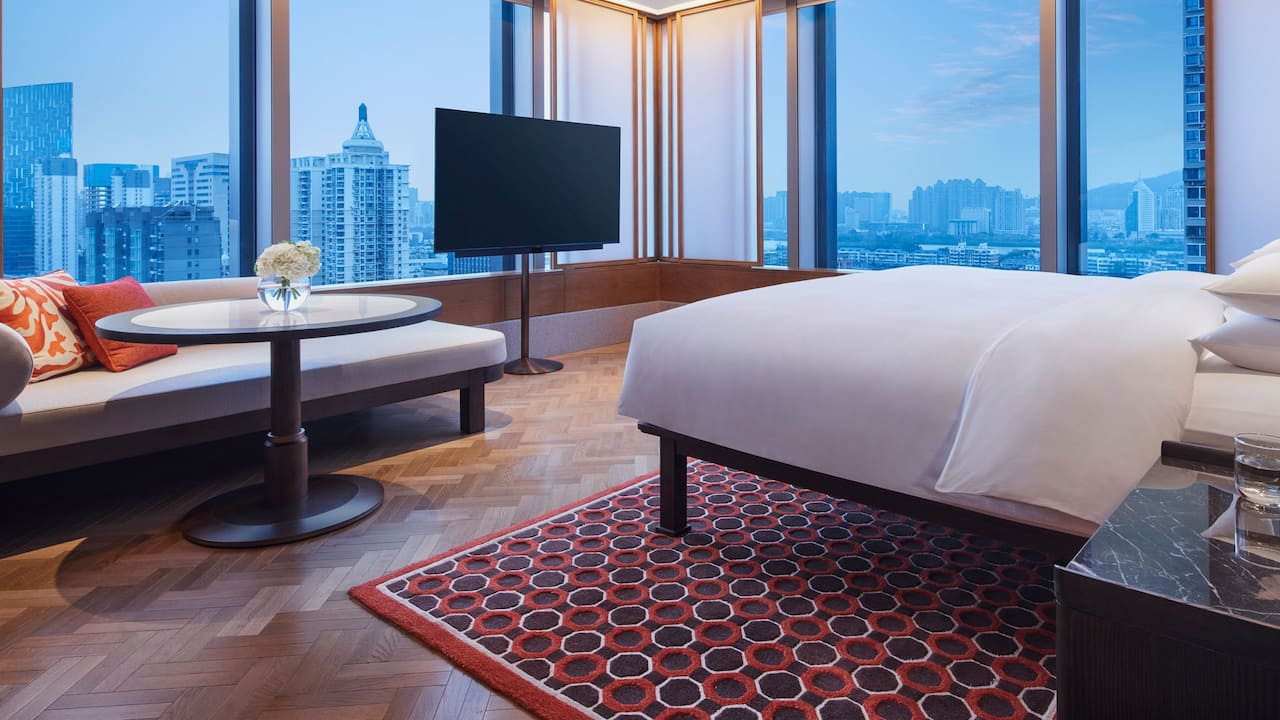Andaz Suite  Bed Room