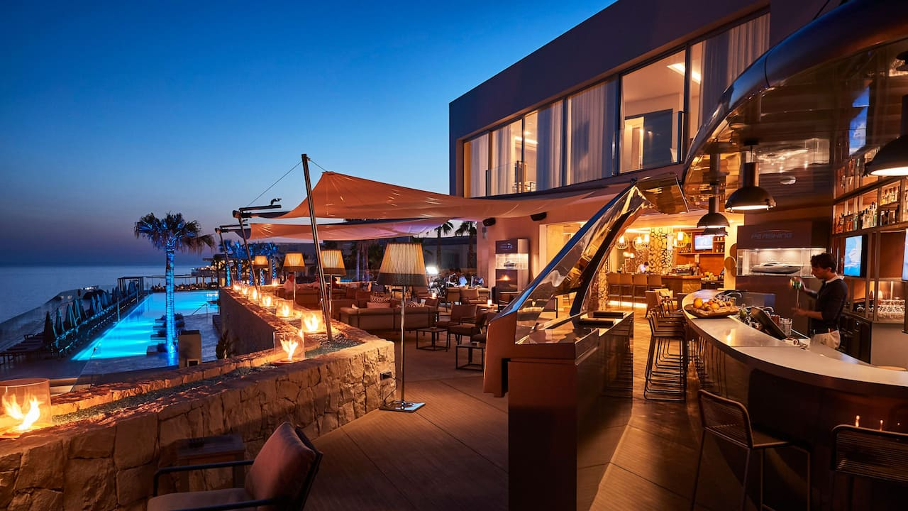 Dining Yacht Terrace