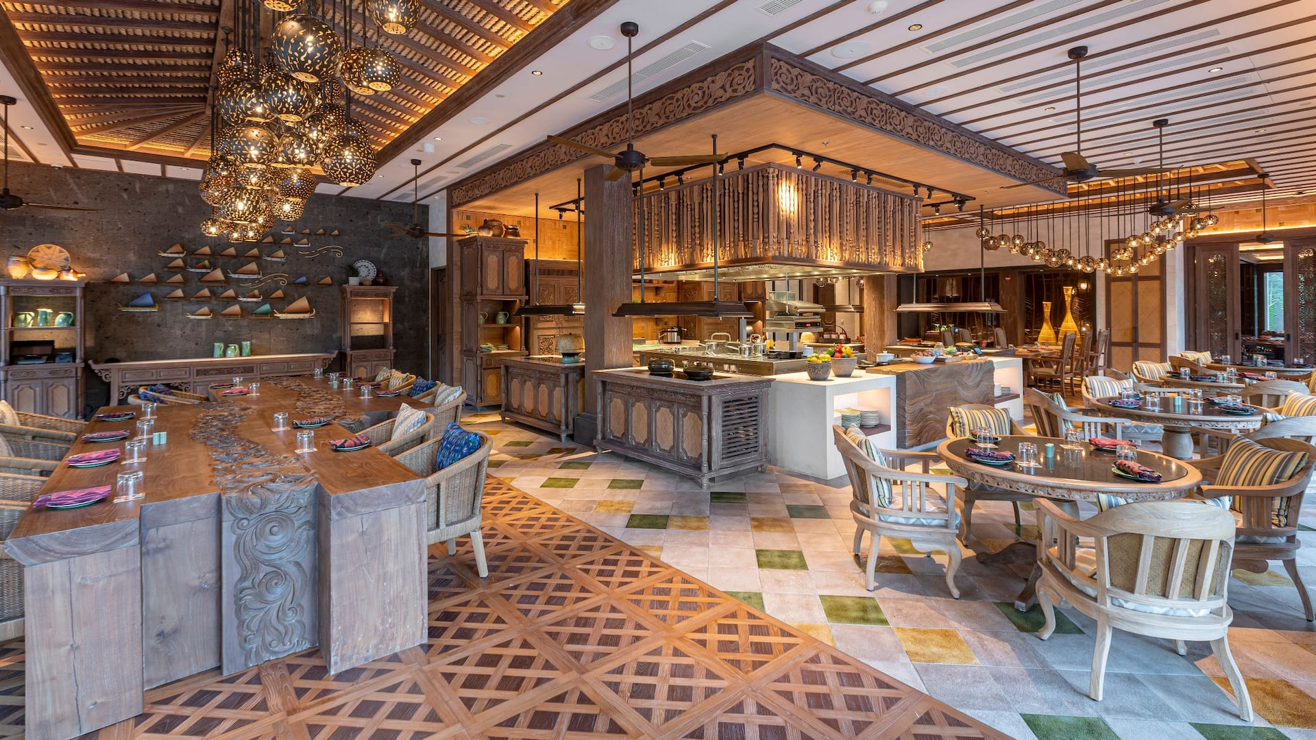 Food, drink and venue of Wok Wok restaurant Sanur Andaz Bali