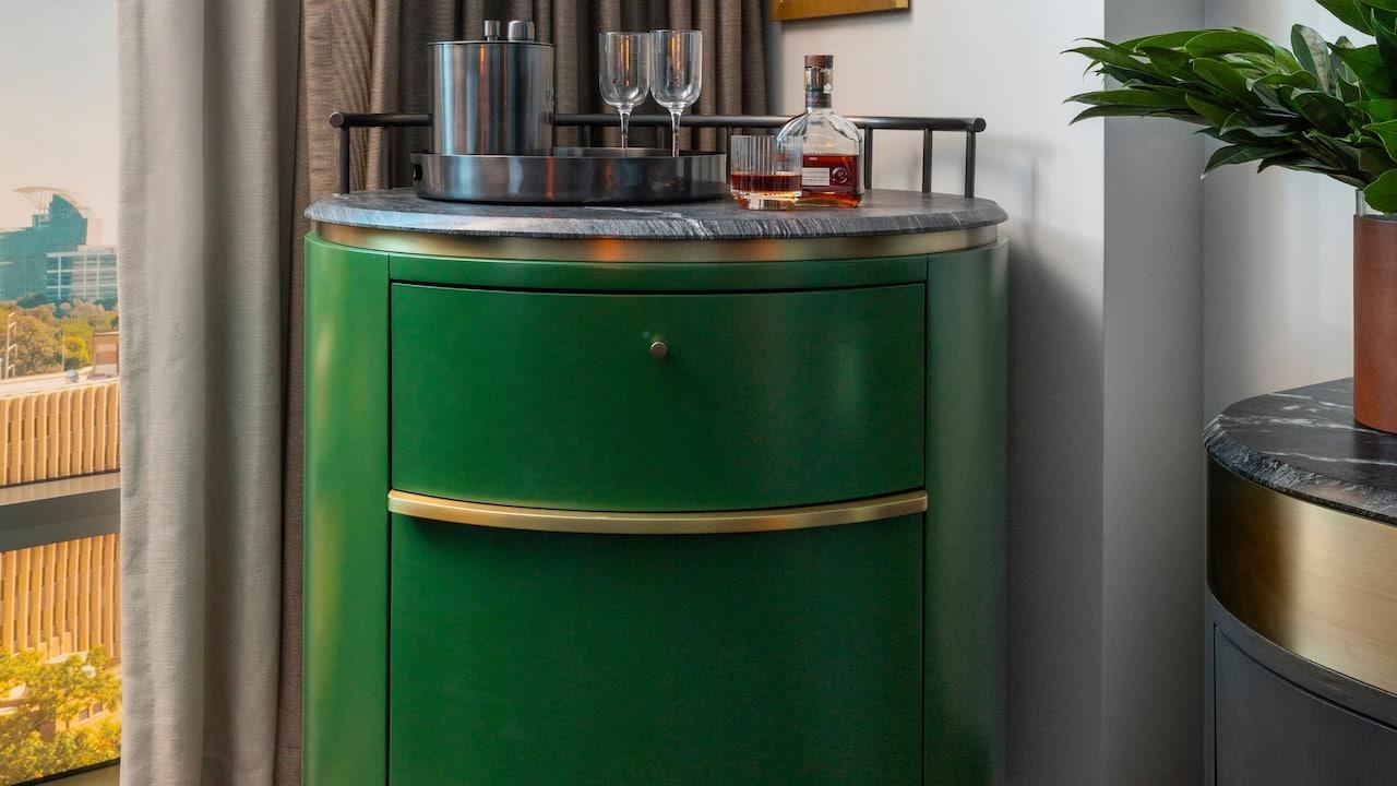 One Bedroom King Mini Bar
