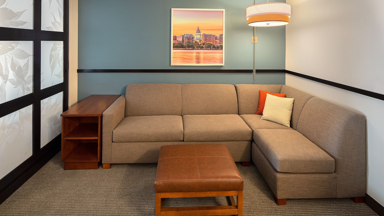 Madison Wisconsin Hotels with Pull out Couch Sofa Sleeper Beds at Hyatt Place Madison / Downtown