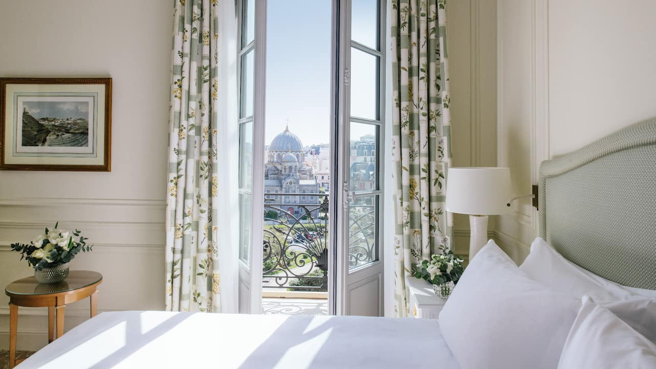 1 King Bed Room View