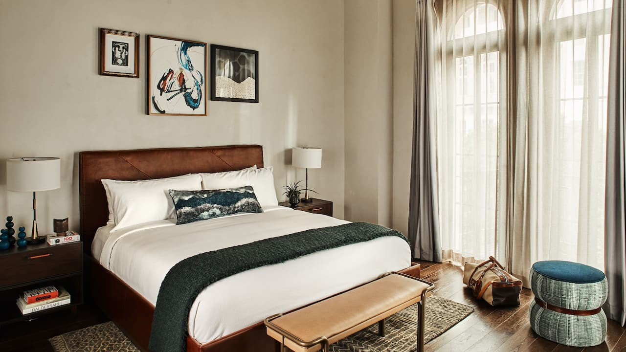 Figueroa King Balcony Suite