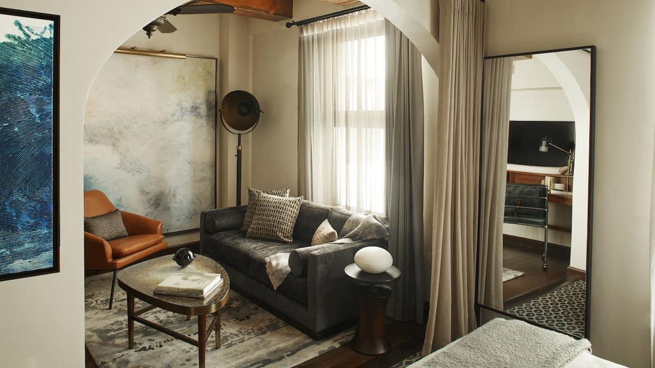 Classic Suite Living