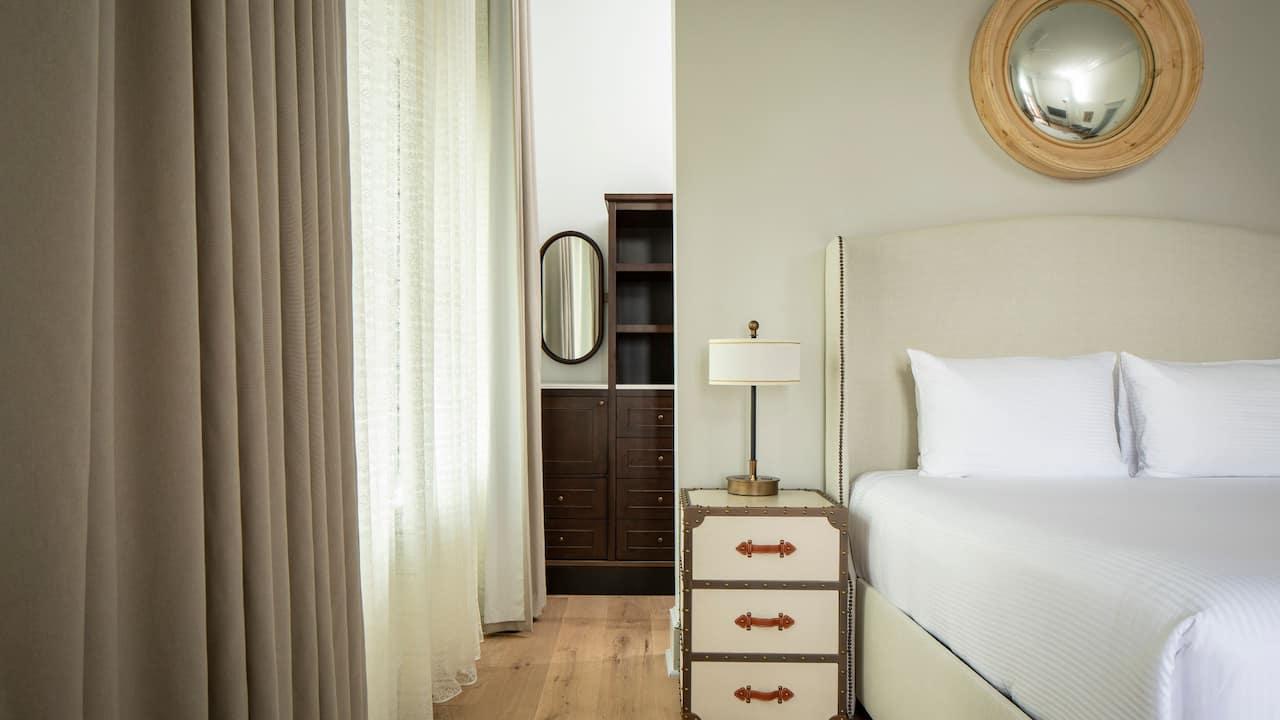 Renaissance Suite Closet
