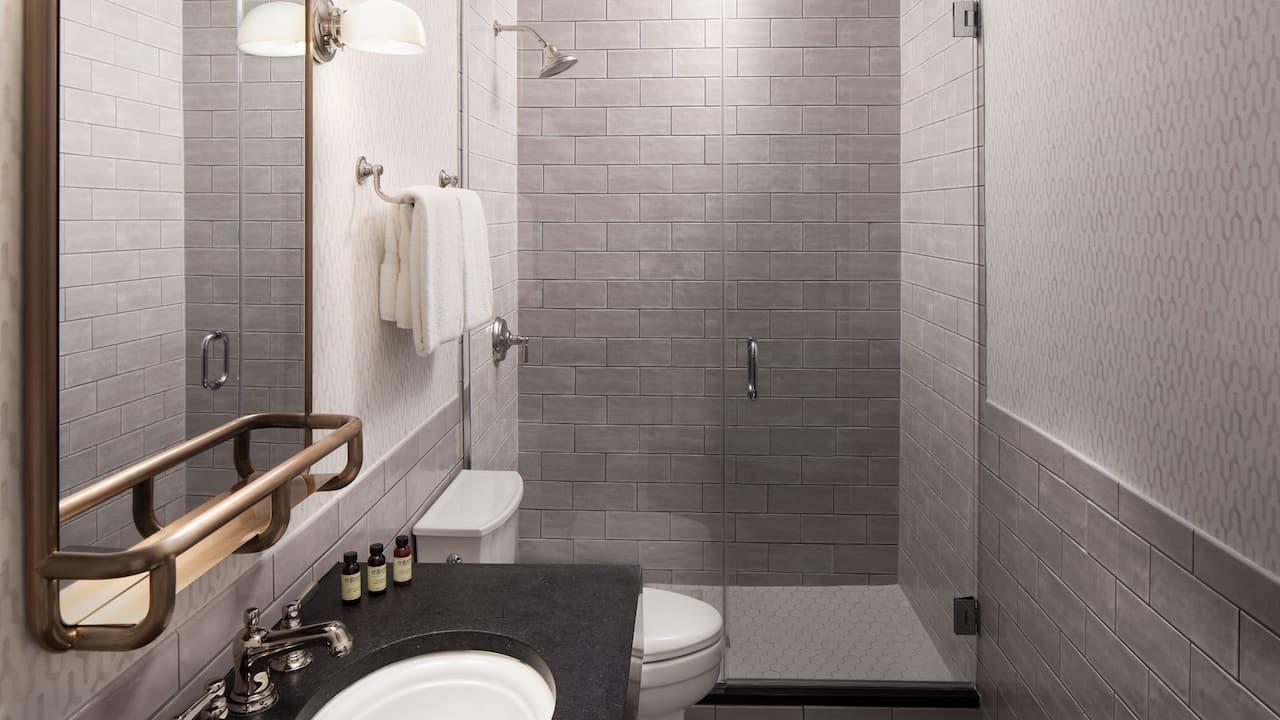 King Junior Suite Bathroom