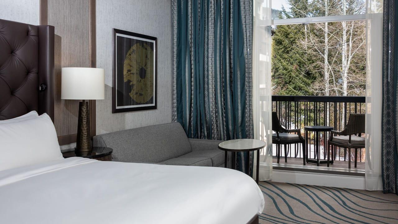 Deluxe Mountain View King Balcony