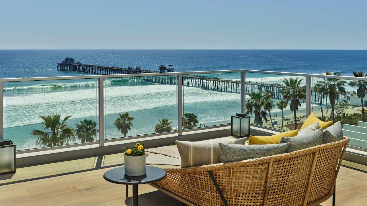 Grand Estate Balcony Pier View