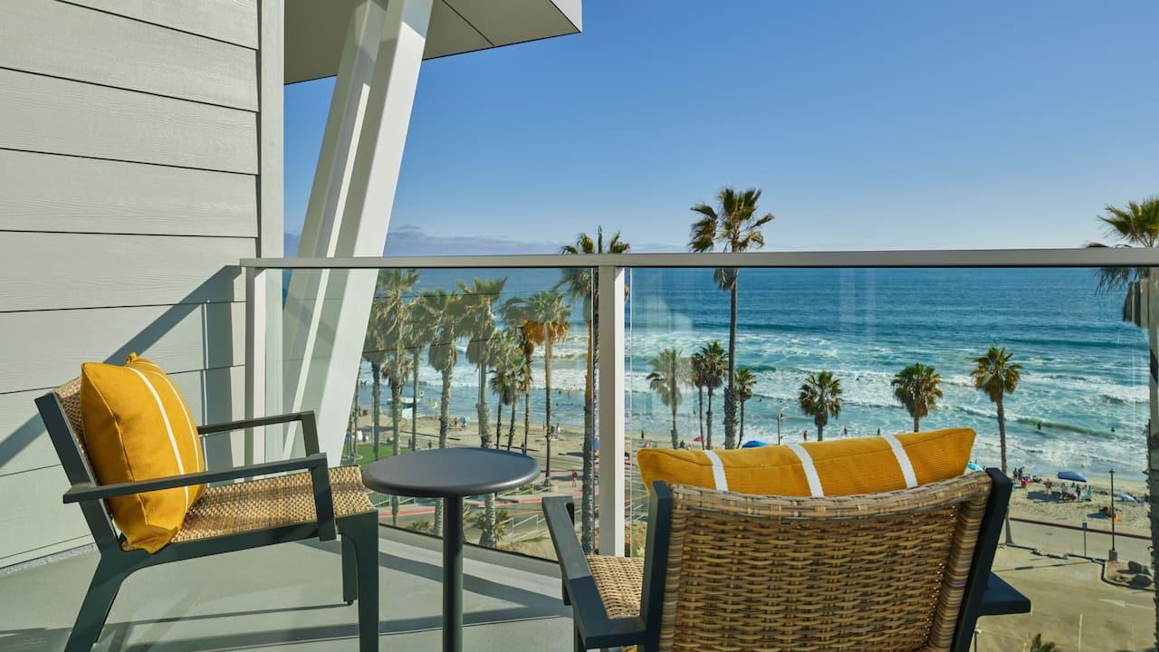 Premium Ocean King Balcony