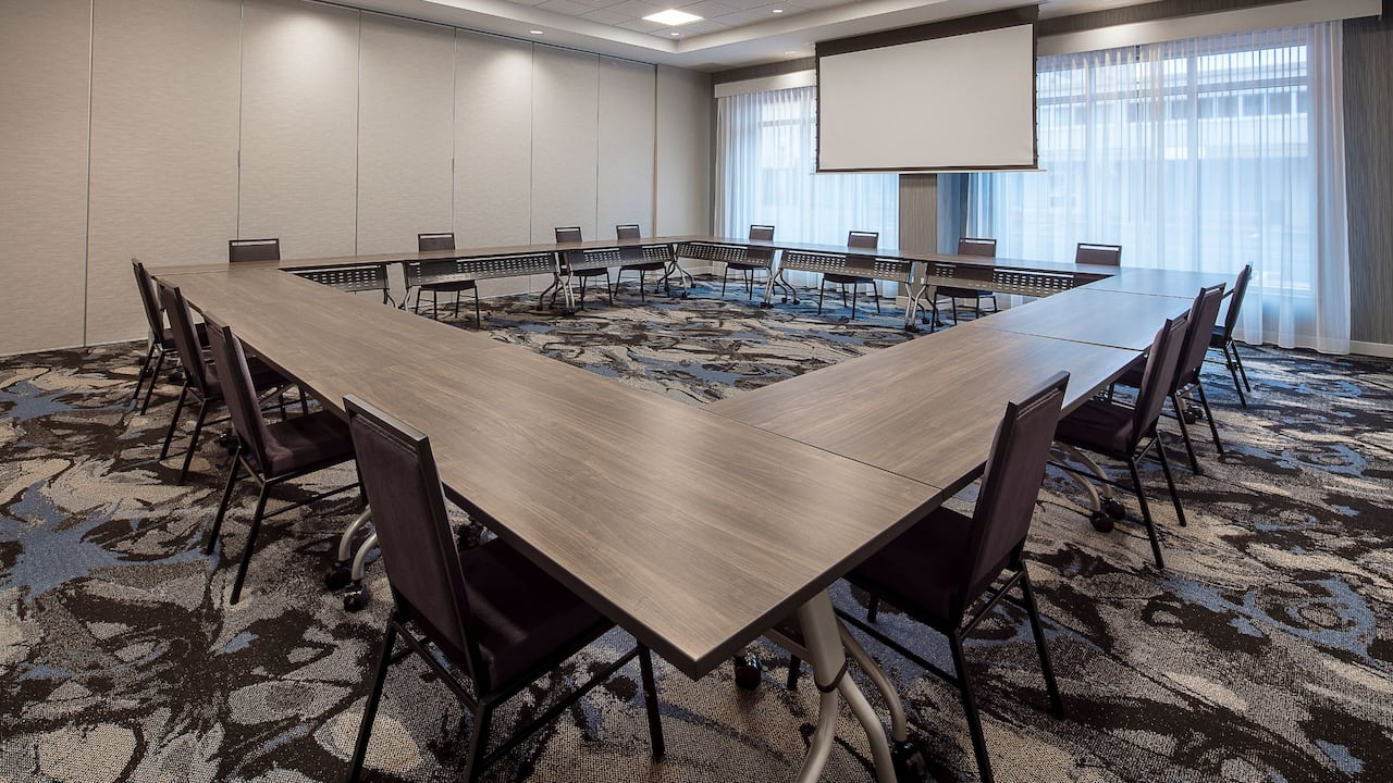 Square Table Meeting Set-up