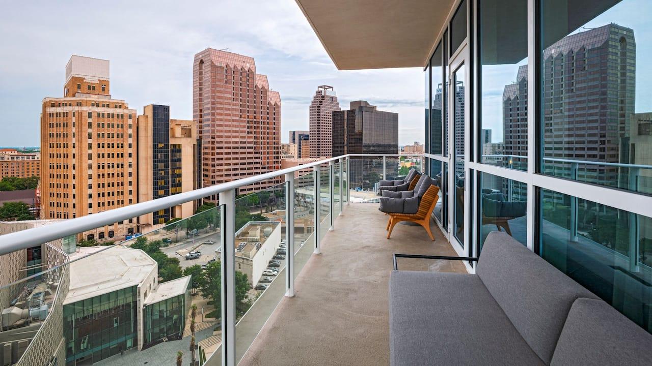 Penthouse Suite Patio