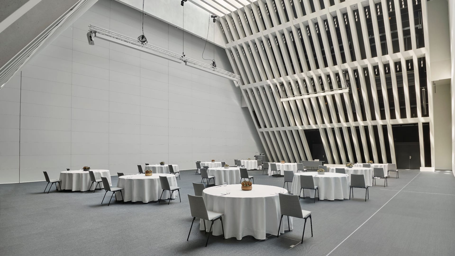 The Circle Convention Hall Partitions