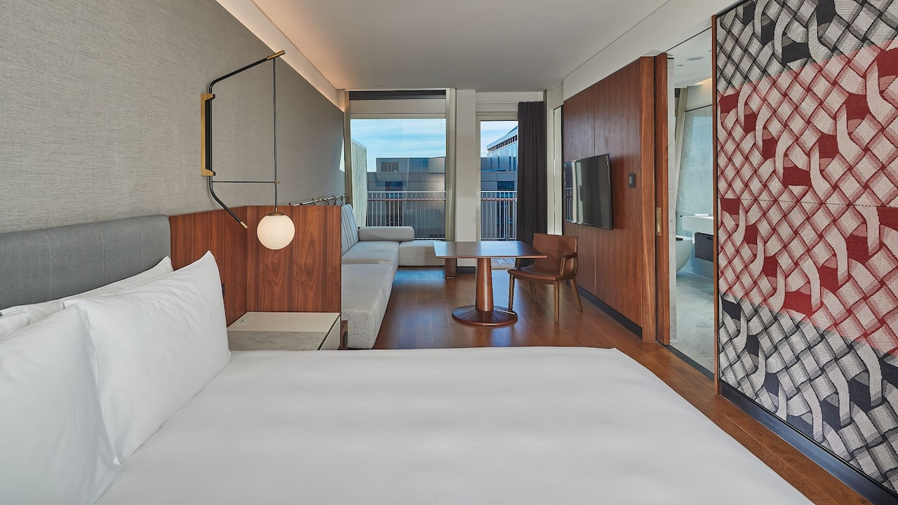 1 King Bed Rooftop with Balcony