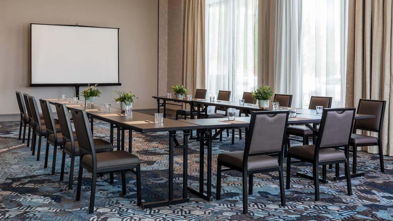 Elba Fig Meeting Room