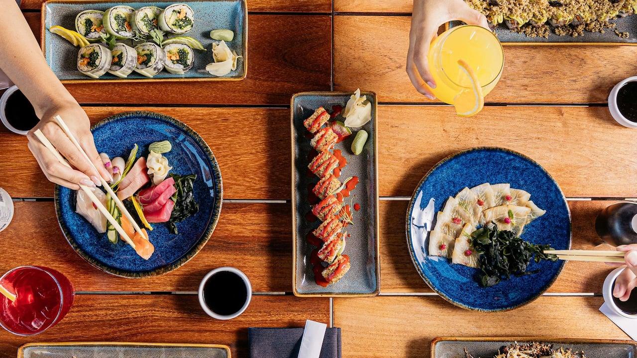 CUNPC_P0765 Sushi N Raw Table Set Upjpg