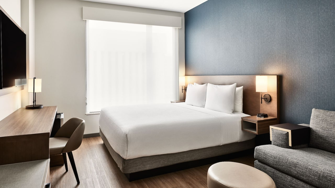 King Guestroom Layout